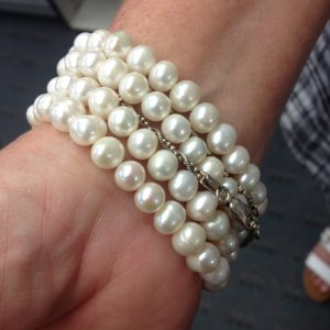 stacking pearl strands