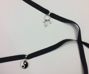 little black choker spring trend