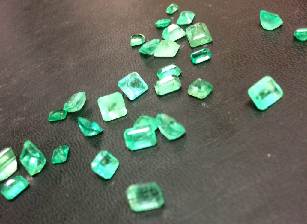 loose emeralds unset